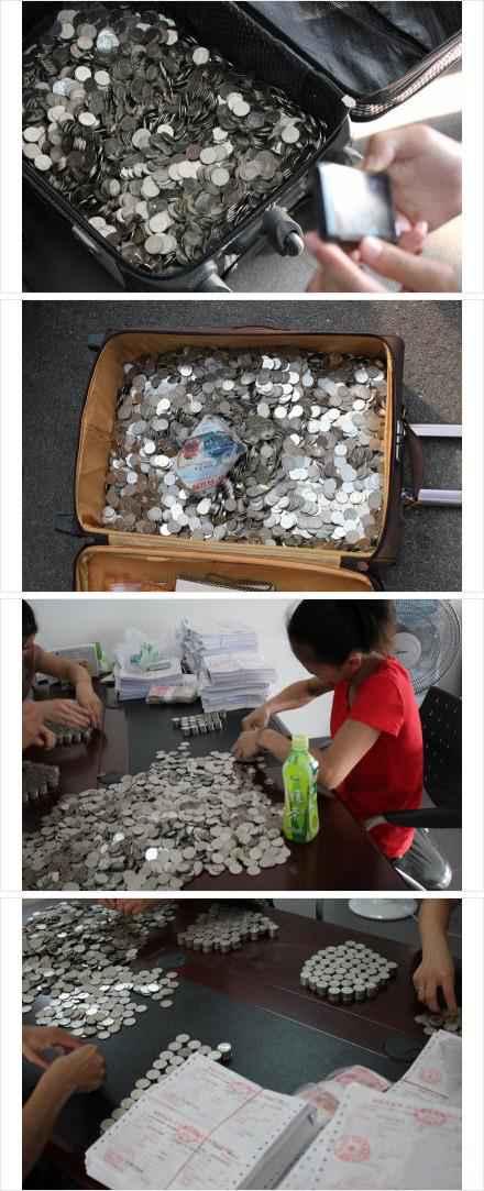 【厦门一学生用2万元硬币交学费】这年头,当有的学校甚至已经用上支付宝交学费的时候,厦门一位童鞋拖着一个行李箱来到学校财务处,里面装着近两万元的硬币……