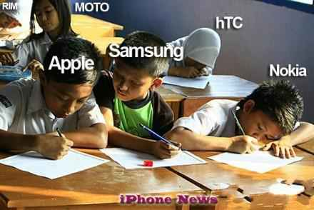 苹果同学很认真,三星一直在抄作业,黑莓躲在角落里自己跟自己玩,摩托很悠闲,htc是个插班生,诺基亚倒是个好孩子,但最近有些近视了。
