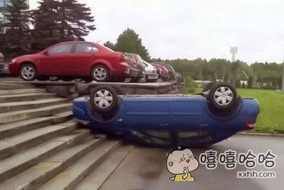 不用说,你们肯定也觉得是女司机停的