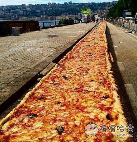 2km的披萨……最近毕业的同学们可以借鉴下,散伙儿饭就这么吃吧