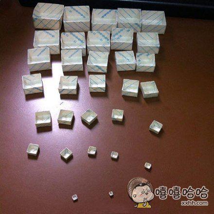 台湾网友发现他爸当初送给他妈妈的一个盒子,好奇打开了一层又一层。。。据他妈妈说,当初还以为里面包的是求婚戒指,结果是个空的,差点就分手了