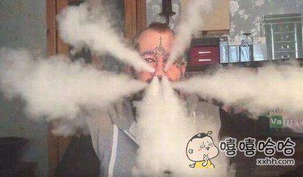 你脸上打辣么多孔就是为了吸烟的时候霸气吧