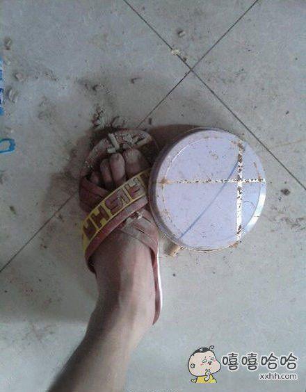 生活中倒霉的事除了踩狗屎,应该还有一种叫——踩到蚊香盒。。