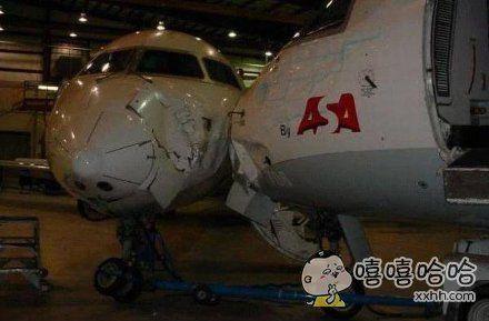 飞机碰上了飞机···拼刺刀··