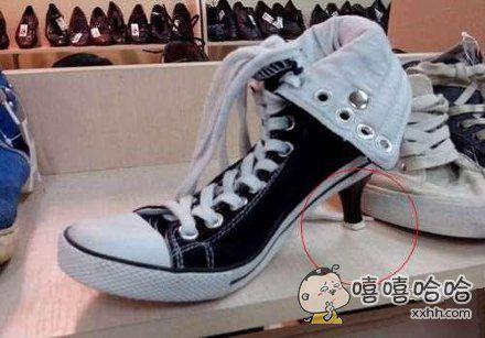 亮瞎女生眼睛的新式高跟帆布鞋