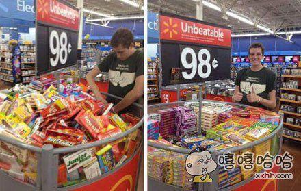 一网友去逛超市,受不了促销架里摆放杂乱的商品,于是。。。