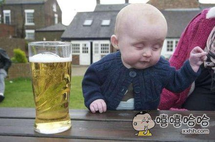 这孩子将来一定酒量大