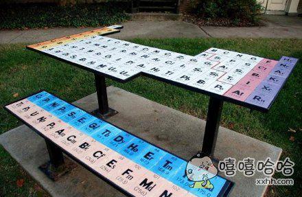 学霸连桌子都是这样的