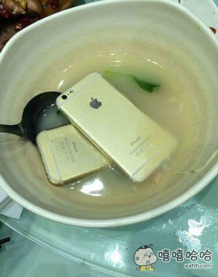 煮了碗苹果汤有人要喝吗