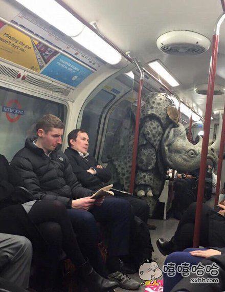 地铁里面啥都有系列