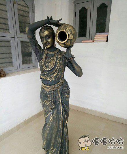 印度的cosplay大赛上夺冠的女高中生