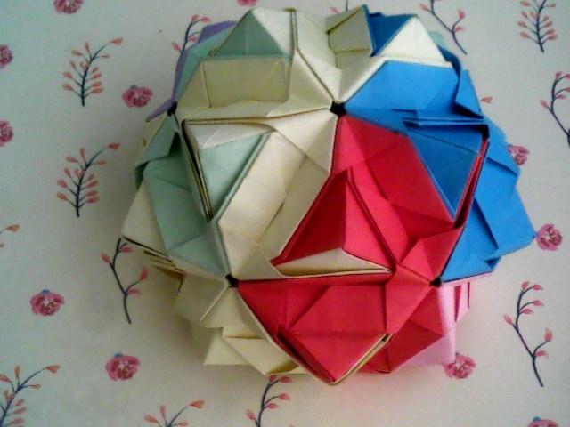 手工纸绣球步骤