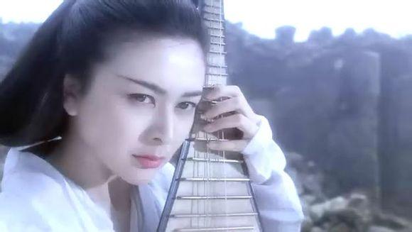 关之琳在仙鹤神针中饰演蓝小蝶,真心美爆!