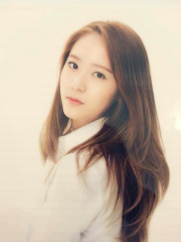 krystal》;同年9月在韩国sbs电视剧《对