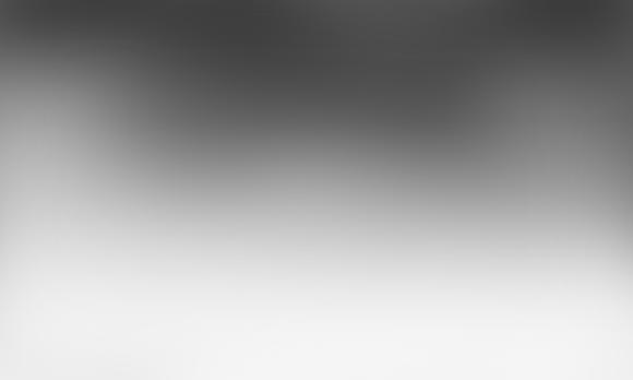 首先,打开底图.随便一张图高斯模糊去色就行,你也可以选择黑白渐变.